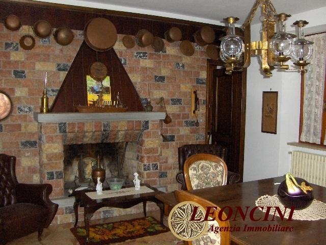 Albergo in vendita a Filattiera, 16 locali, prezzo € 405.000 | Cambio Casa.it
