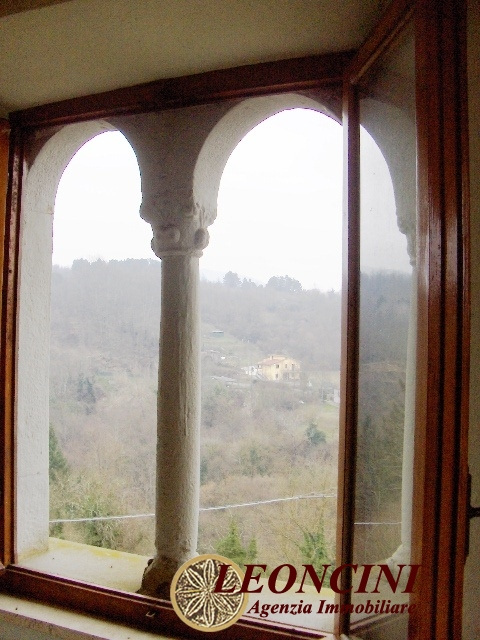 Soluzione Semindipendente in vendita a Villafranca in Lunigiana, 7 locali, prezzo € 120.000 | CambioCasa.it