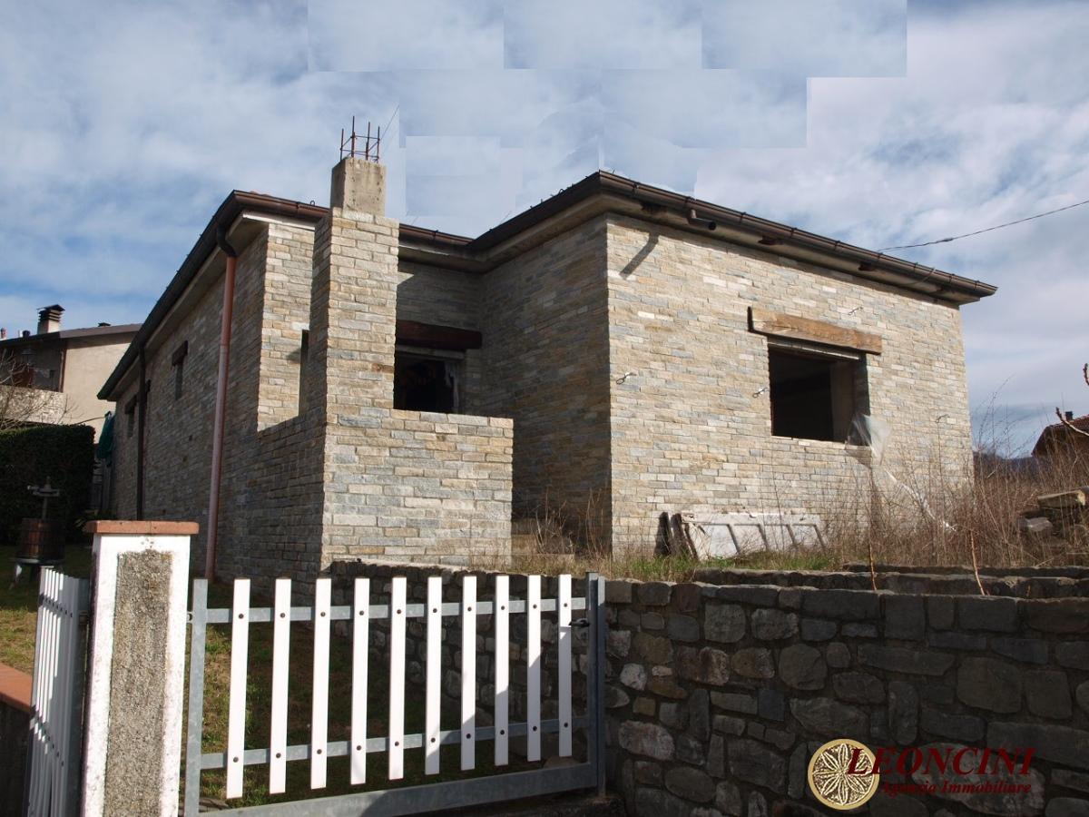 Villa in vendita a Villafranca in Lunigiana, 5 locali, prezzo € 160.000 | CambioCasa.it