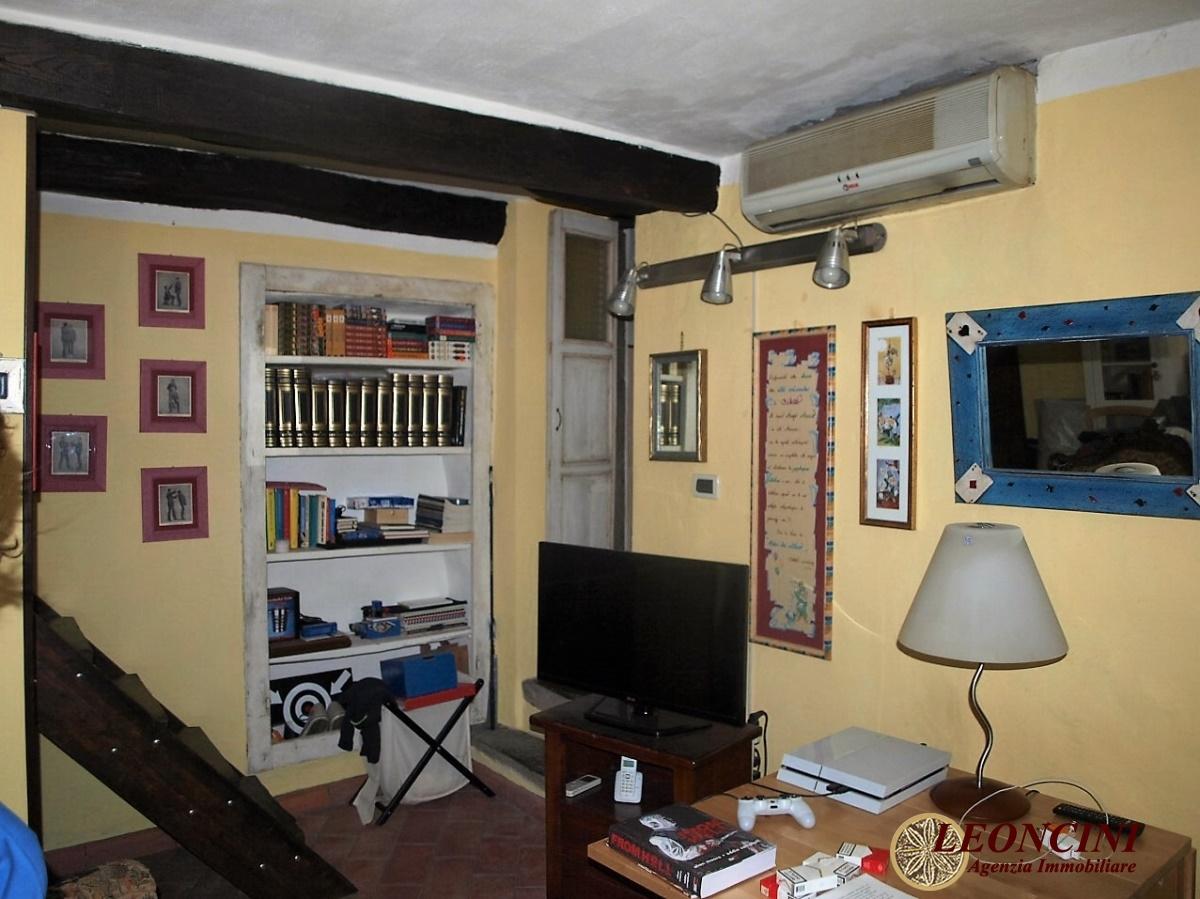 Negozio / Locale in vendita a Villafranca in Lunigiana, 6 locali, Trattative riservate | Cambio Casa.it