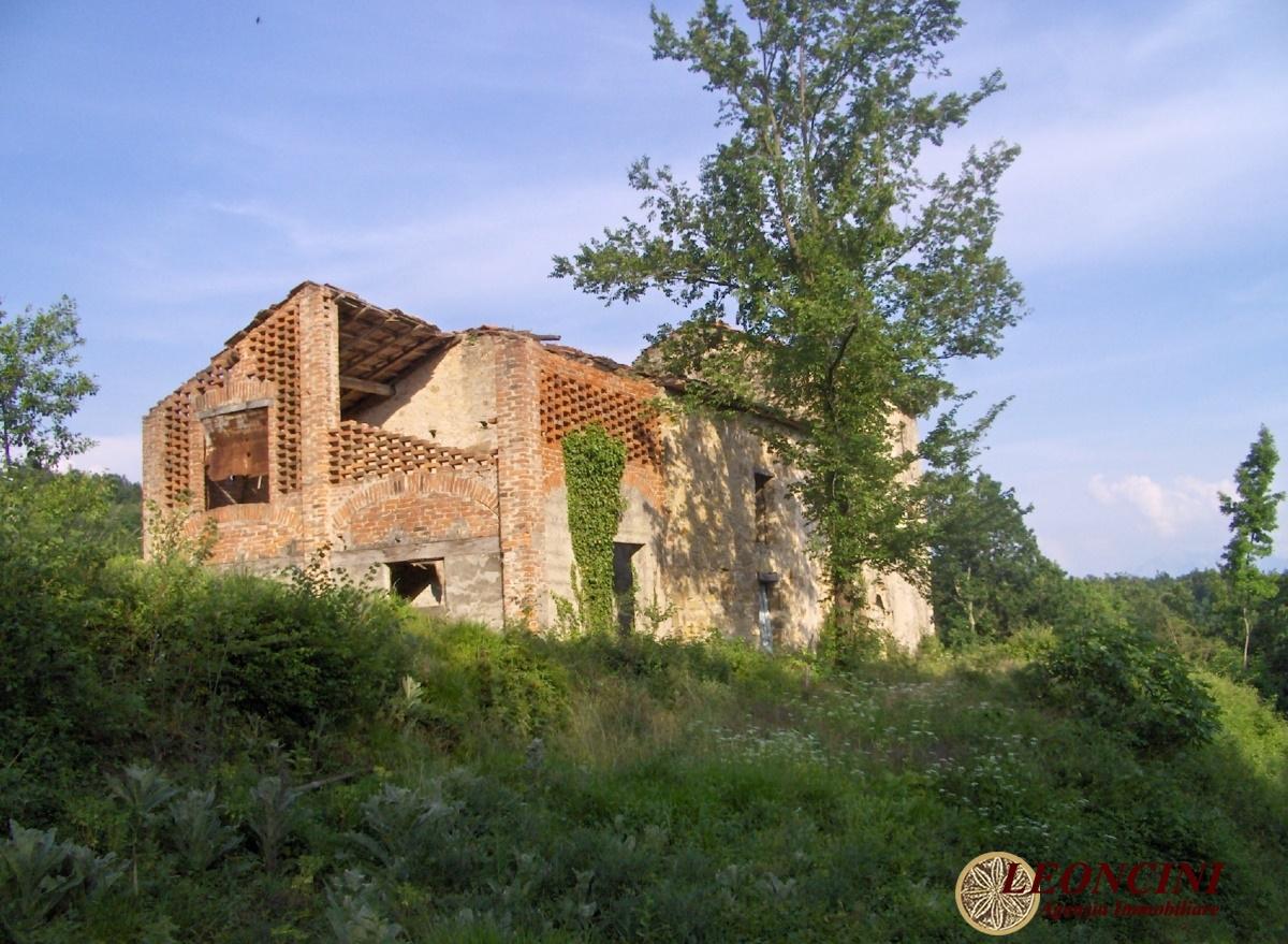 Rustico / Casale in vendita a Villafranca in Lunigiana, 10 locali, prezzo € 340.000 | CambioCasa.it