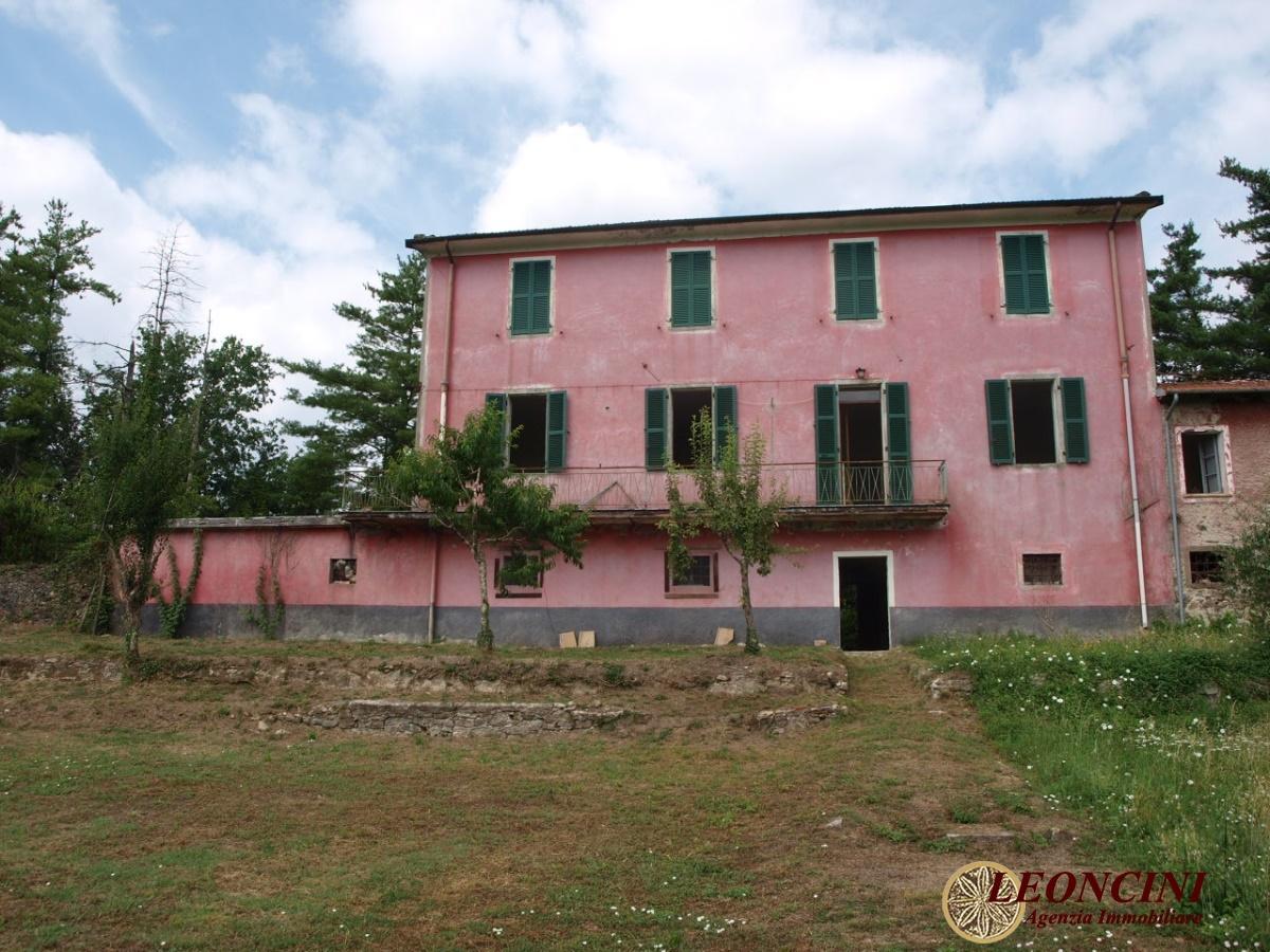 Rustico / Casale in vendita a Bagnone, 13 locali, prezzo € 250.000 | Cambio Casa.it