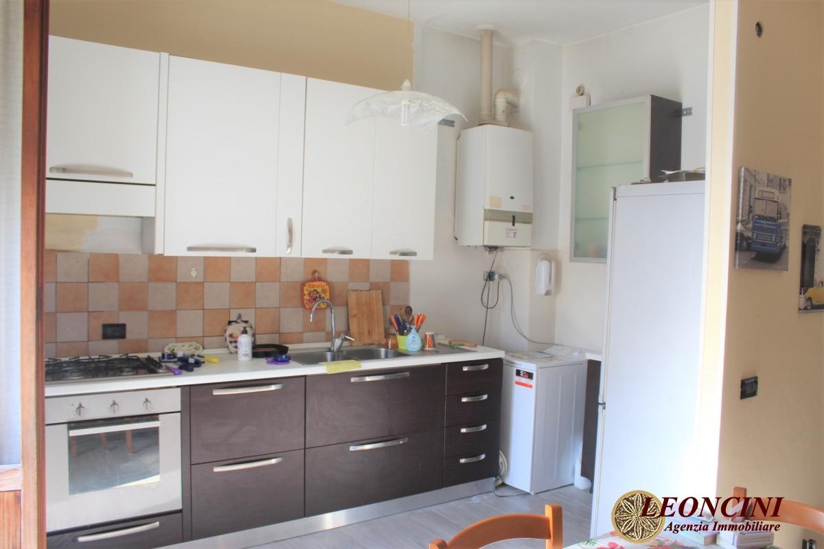 Appartamento in vendita a Villafranca in Lunigiana, 4 locali, prezzo € 80.000   PortaleAgenzieImmobiliari.it