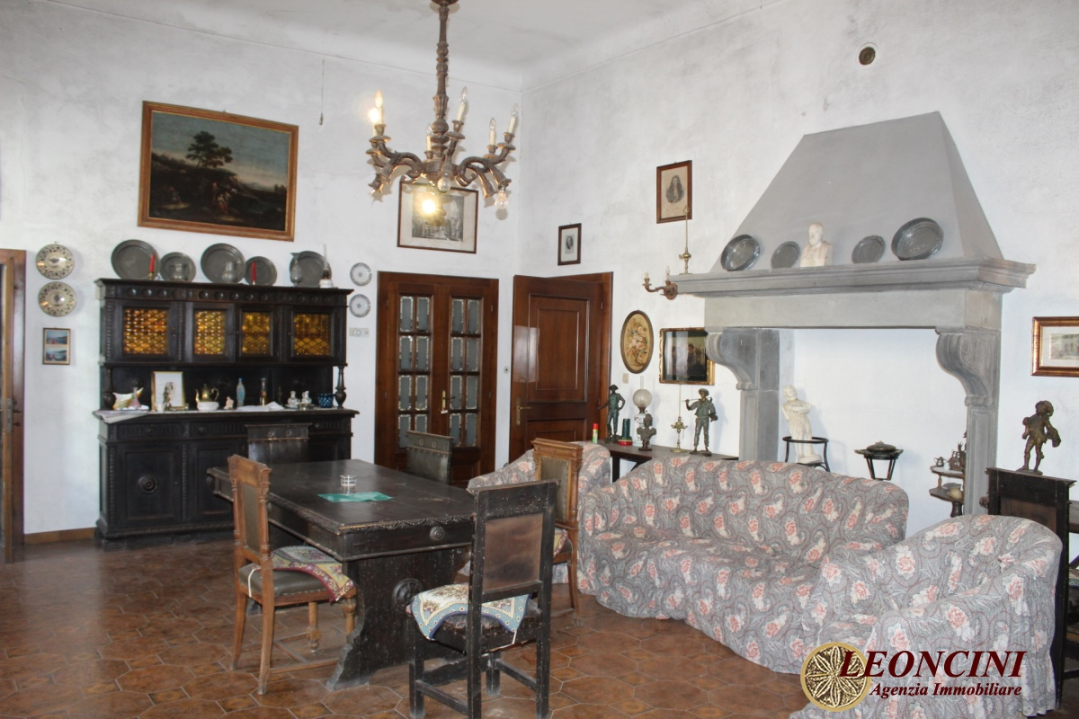 Palazzo / Stabile in vendita a Filattiera, 29 locali, prezzo € 430.000 | PortaleAgenzieImmobiliari.it