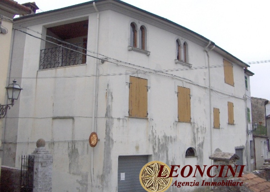 Sale Semi-Detached Villafranca in Lunigiana - A362 House in an hamlet Locality