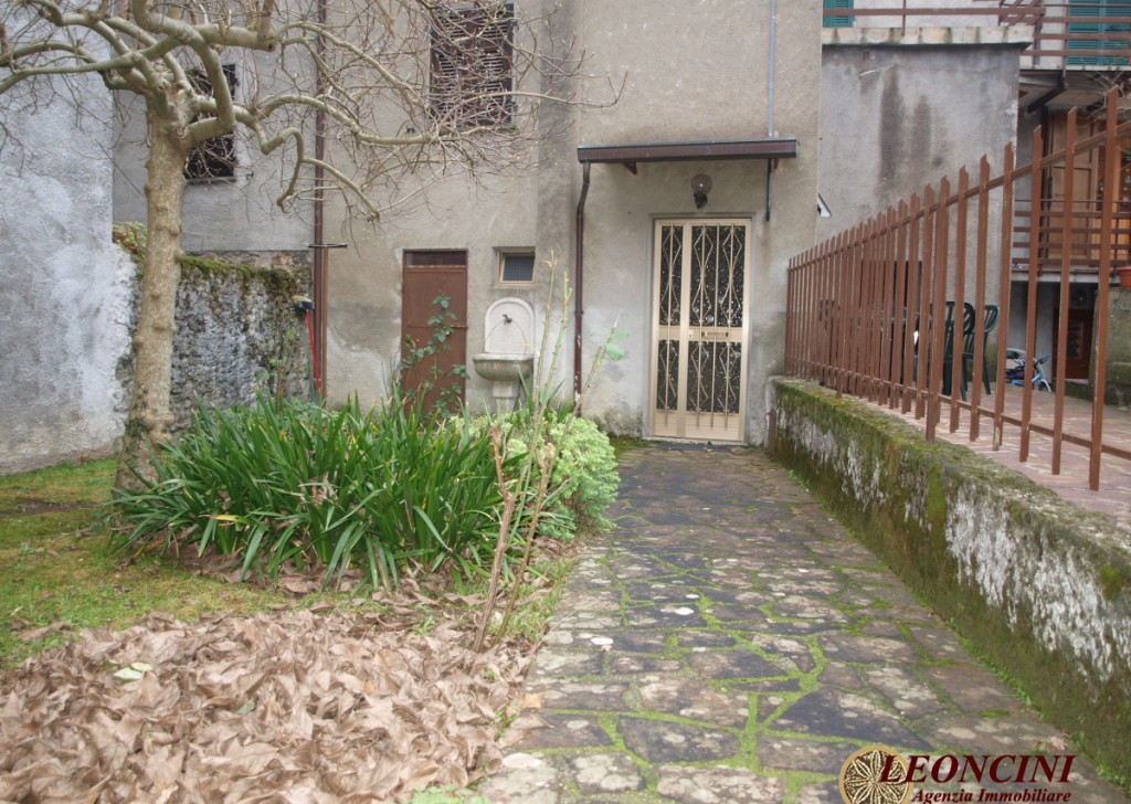 Sale Stonehouses in Historic Center Filattiera - A335 house in the historic center Locality