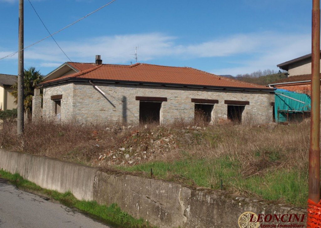 Sale Detached Houses Villafranca in Lunigiana - A406 Detached house to be completed Locality