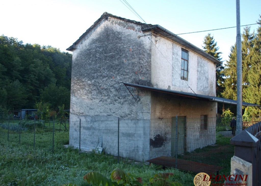Sale Cottages and Stonehouses Villafranca in Lunigiana - A504 rustic with land Locality