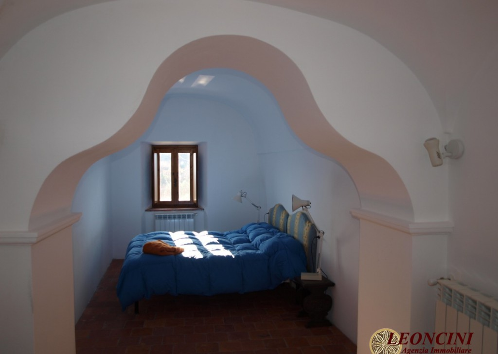 Sale Cottages and Stonehouses Pontremoli - P110 Stone house with panoramic view Locality
