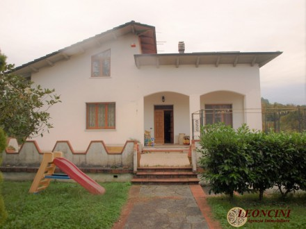 A454 Detached villa