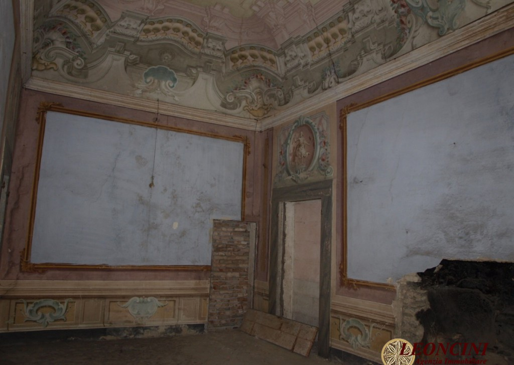 Sale Luxury Houses Pontremoli - A435 Historic Palace Locality