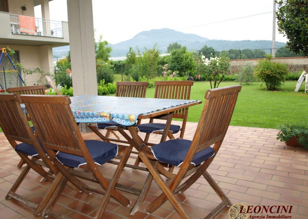 Sale Detached Houses Villafranca in Lunigiana - A424 Large detached villa Locality