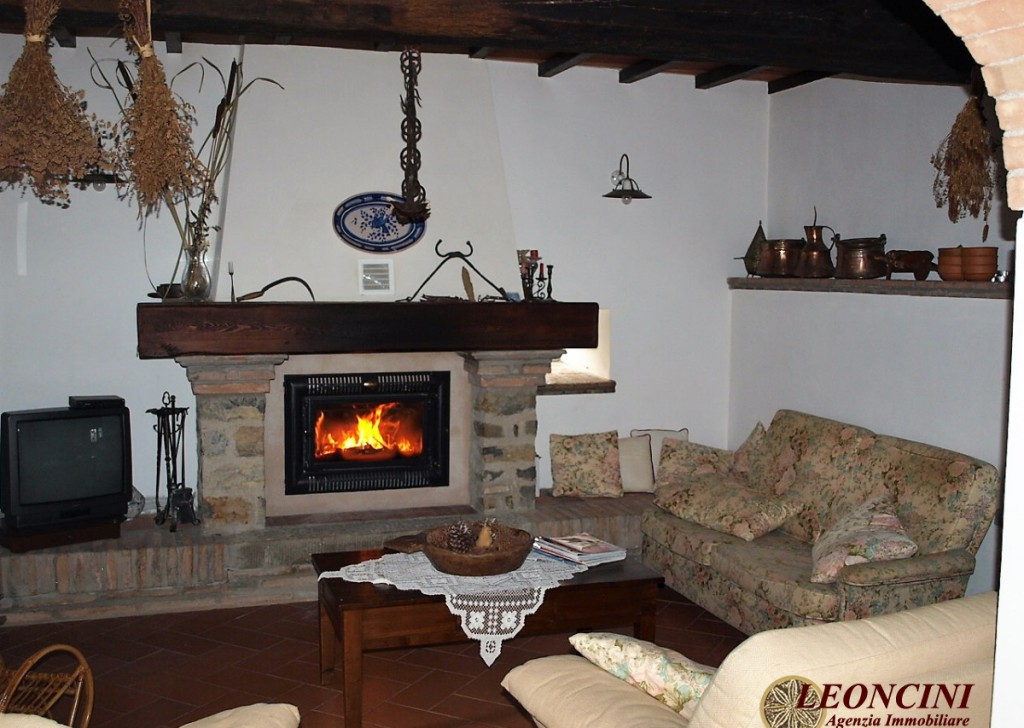 Sale Cottages and Stonehouses Bagnone - P121 Stone house with land Locality