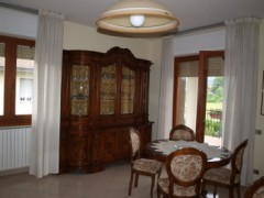 A424 Large detached villa - 8