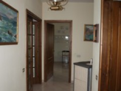A424 Large detached villa - 3