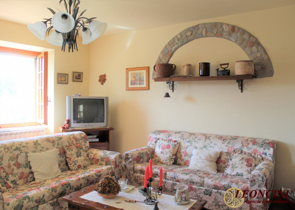 Sale Cottages and Stonehouses Bagnone - house with garden Locality