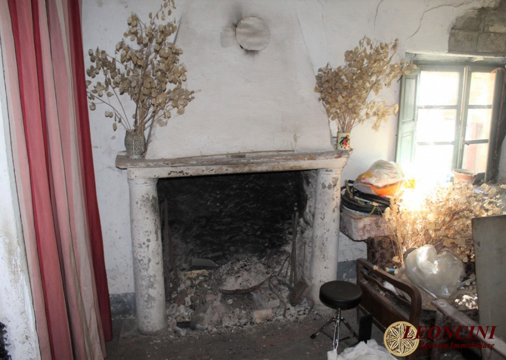 Sale Stonehouses in Historic Center Villafranca in Lunigiana - A359 House in the historic center Locality