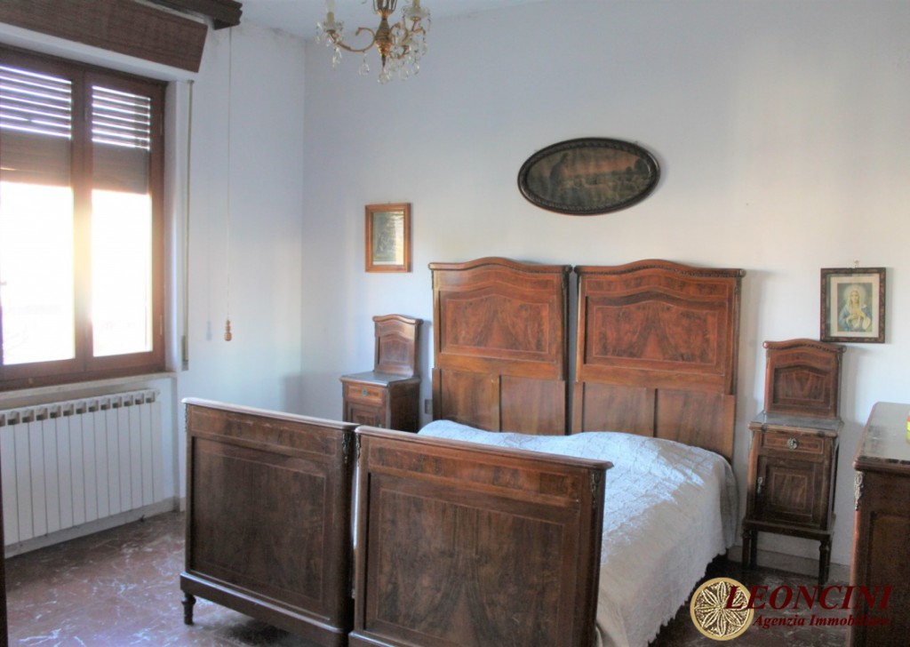 Sale Semi-Detached Villafranca in Lunigiana - A417 Flat in a two-family house Locality