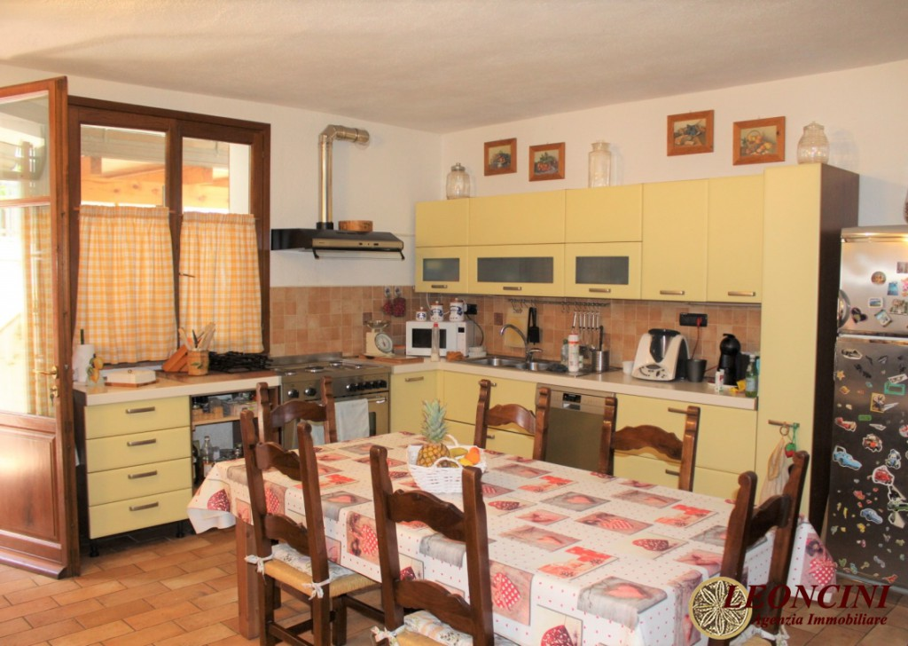 Sale Detached Houses Villafranca in Lunigiana - A477 house with two apartments Locality